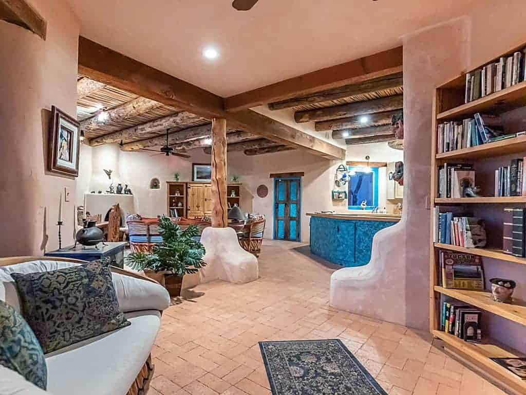 Tucson vacation rental library