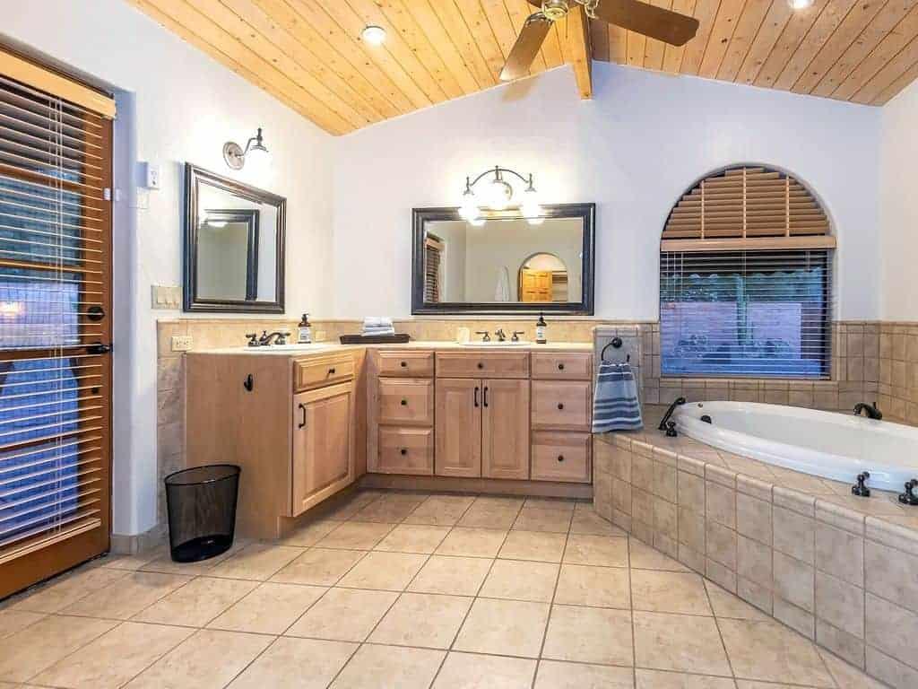 Yvon baster bathroom