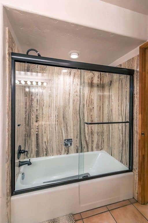 Yvon shower