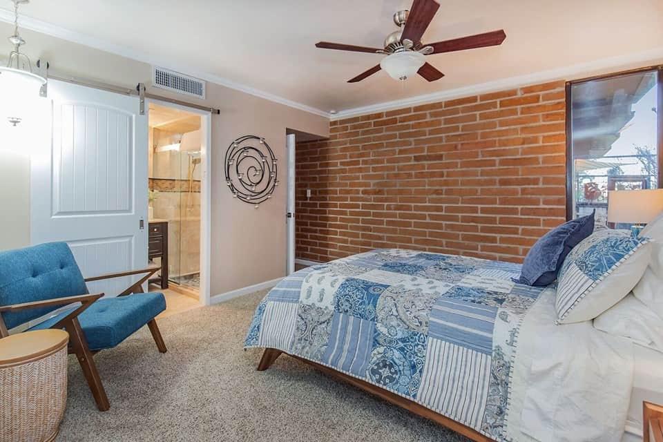 casa velo master bedroom