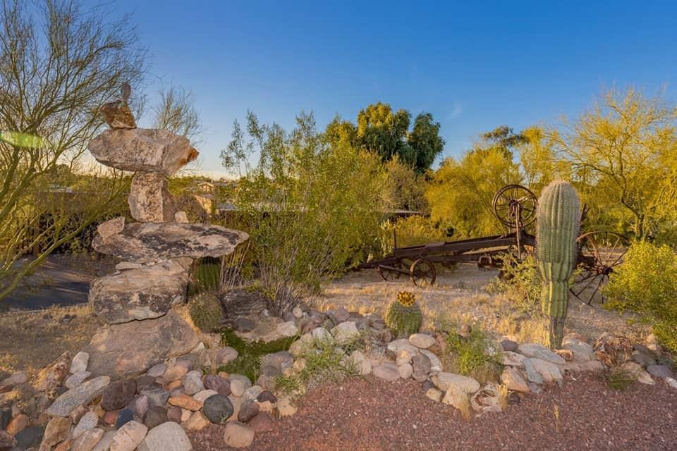 casa velo rock garden