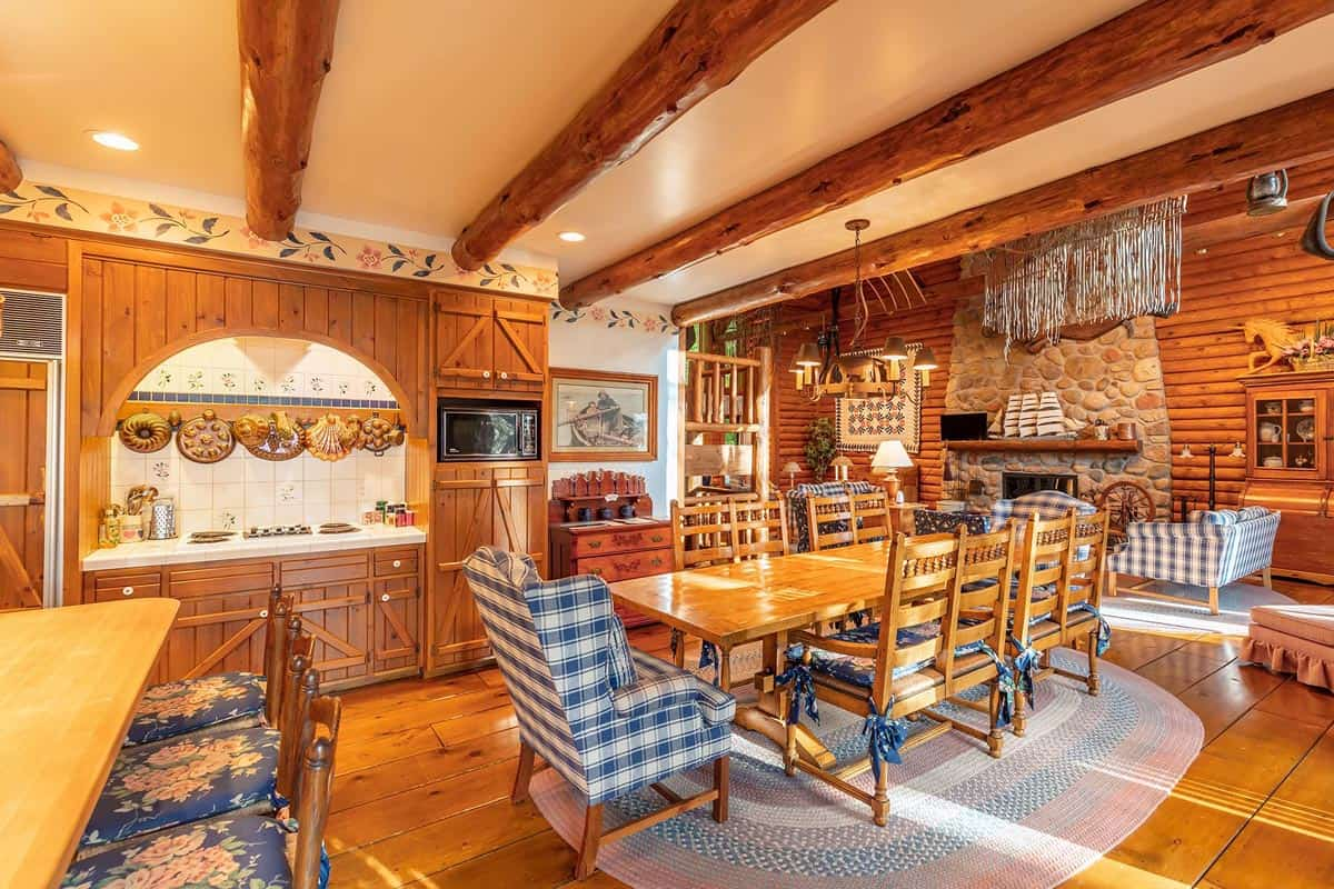 Big Trout Lake Lodge dining table and kitchen