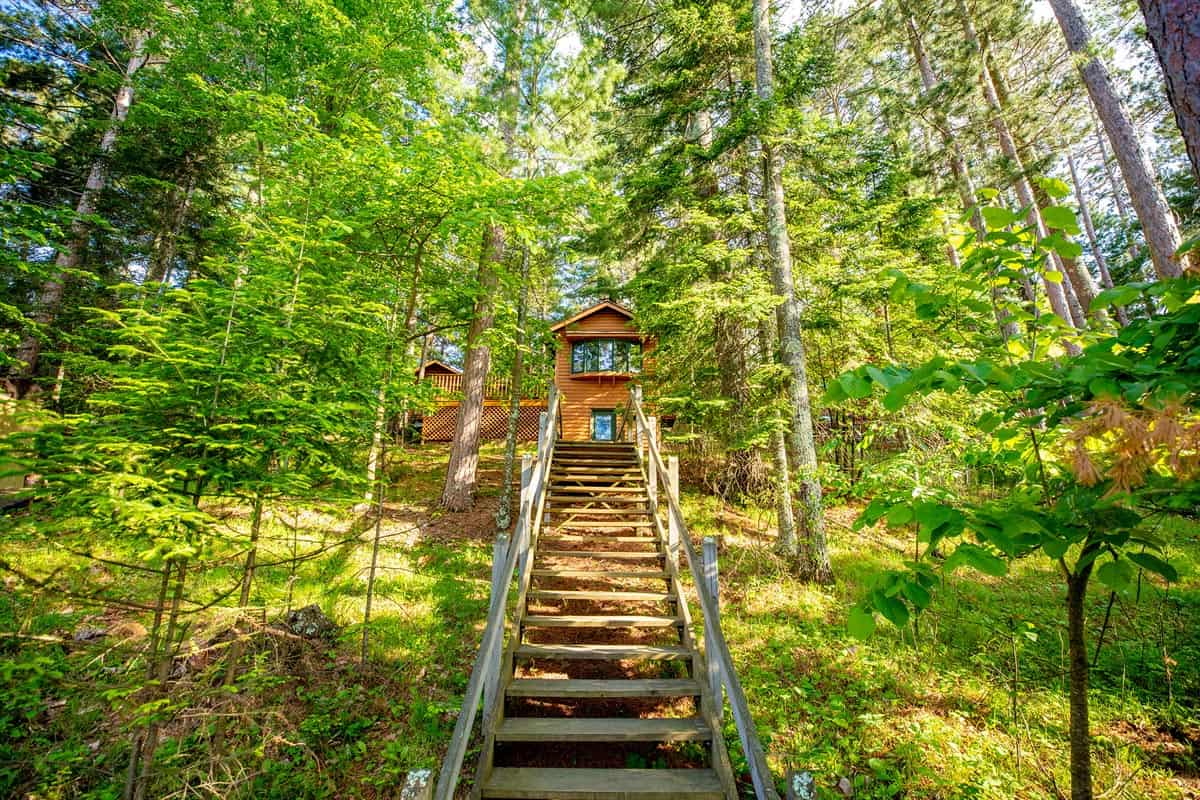 Big Trout Lake Rustic Cabin staircase2